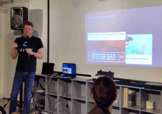 Oliver Wöhler from HTC-Vive presenting at the XR Bavaria Meetup in Munich