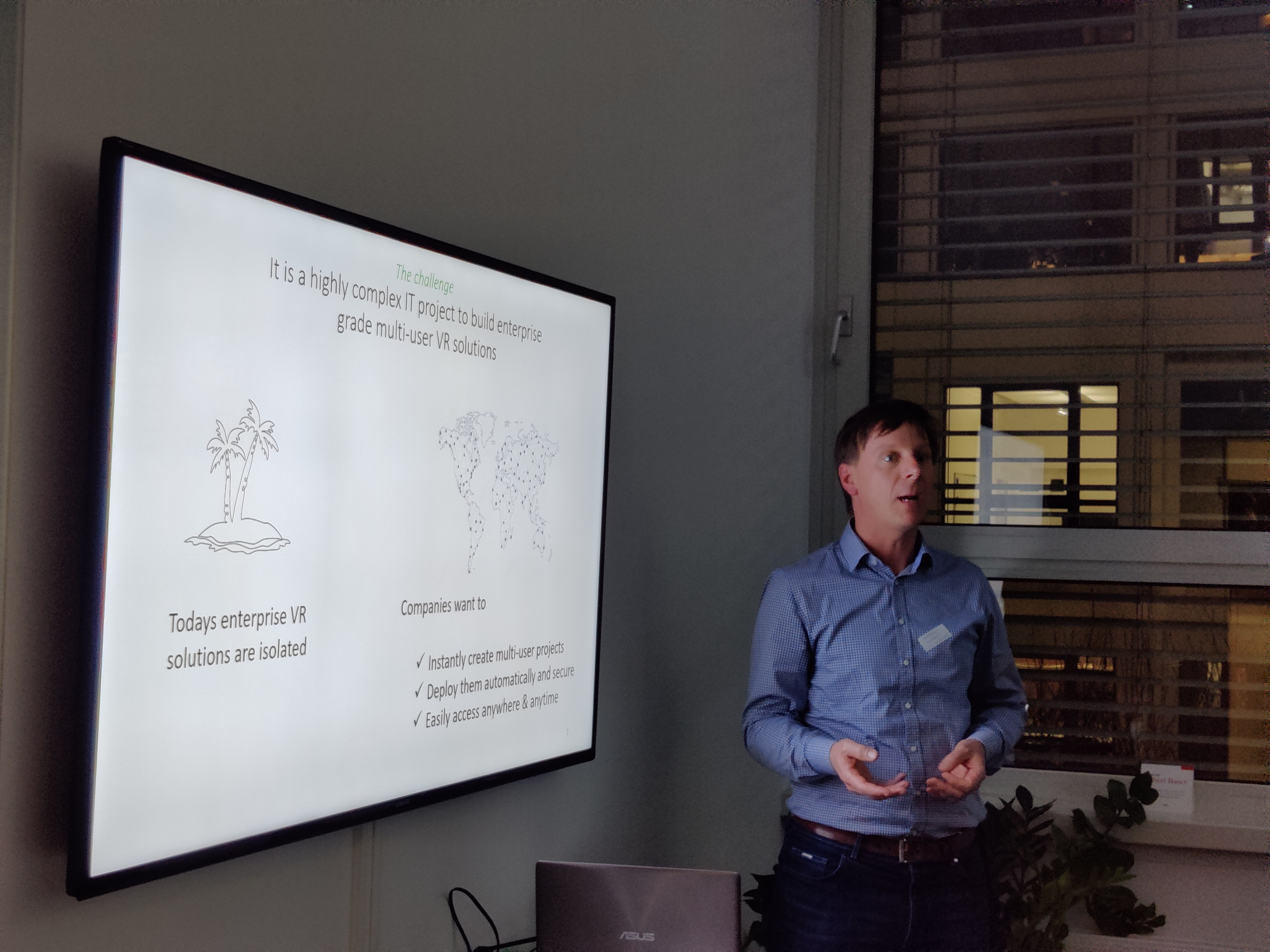 Mathias Wochnig, CEO of vr-on GmbH, presenting at the Unreal Winter Meetup in Munich, 2020